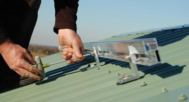 vít bắn tôn lắp đặt pin mặt trời 1